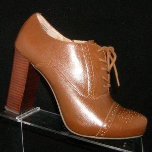 Crown Vintage Tessford brown leather booties 9.5M